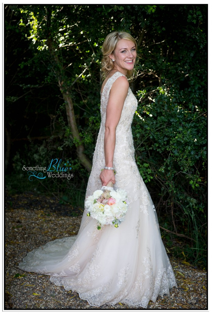oaklands-wedding-yorkshire-bride-wedding-dress