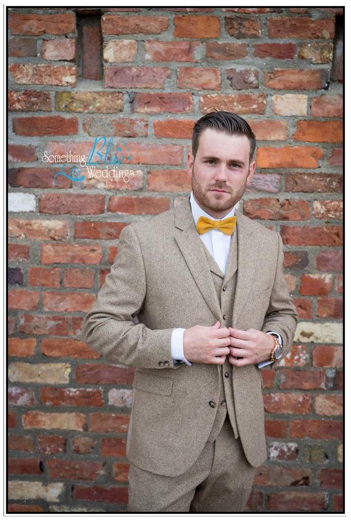 oaklands-wedding-yorkshire-groom-cool