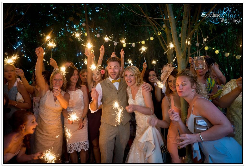 oaklands-wedding-yorkshire-sparkler