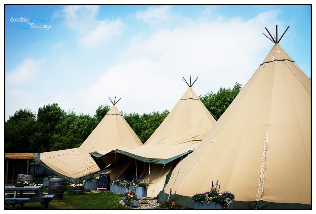 oaklands-wedding-yorkshire-tipi