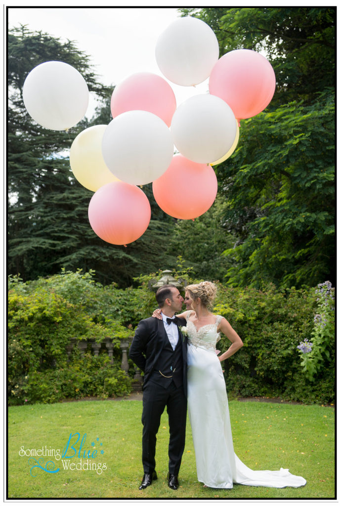 WEDDING-NEWBY-HALL-VIV-ADAM-BALLOONS