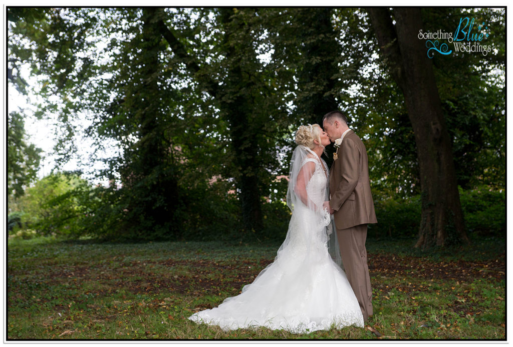 wedding-pamela-jason-farington-lodge-364
