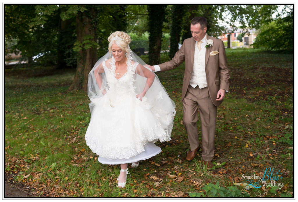 wedding-pamela-jason-farington-lodge-374